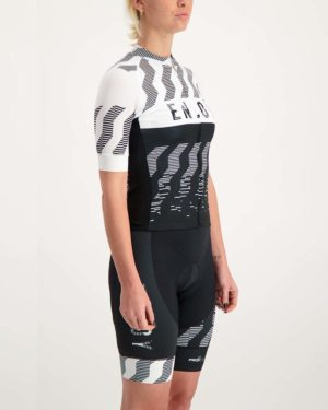 Ladies Outer Limits ProXision cycle top. Designed and manufactured by Enjoy.