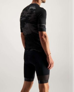 Mens Diffraction Octane cycle top. Designed and manufactured by Enjoy.