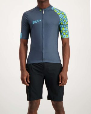 Mens Saffa Supremium cycle top. Designed and manufactured by Enjoy.