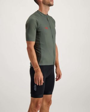 Mens Warhill Supremium cycle top. Designed and manufactured by Enjoy.