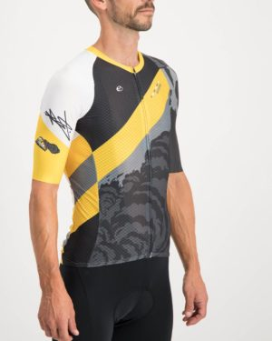 Mens Metro Climber Cycle Top. Designed and manufactured by Enjoy cycling apparel.
