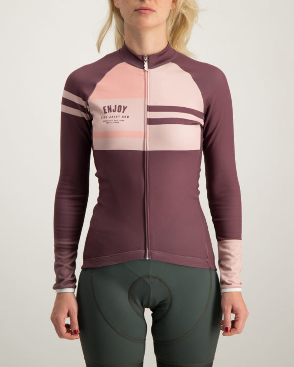 Ladies Semester baroon fleeced Cocoon riding jersey. Designed and manufactured by Enjoy Cycling CLothing.
