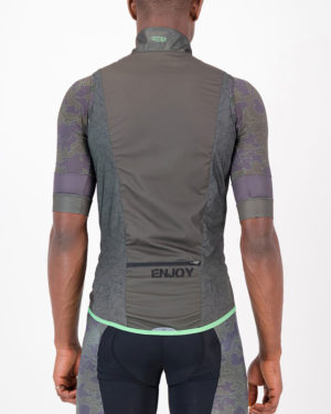 Back of the mens cycling gilet in the peat Sir Yes Sir design made by Enjoy.cc